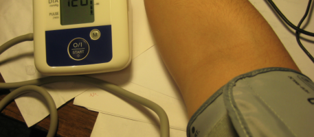 Omron Blood Pressure Check: photo by Dalael, Wiki Commons